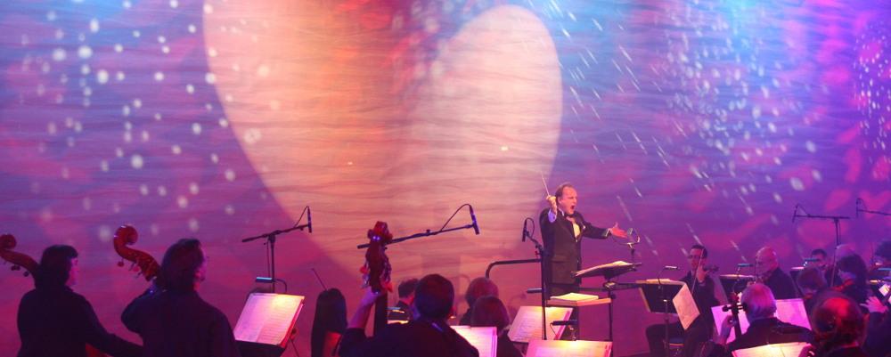 Jubiläumsfest Novelis Werk: das Göttinger Symphonieorchester spielt