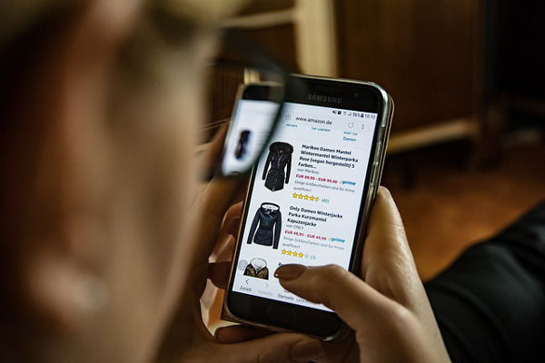 Smartphones steigern Online-Nutzung bei Älteren